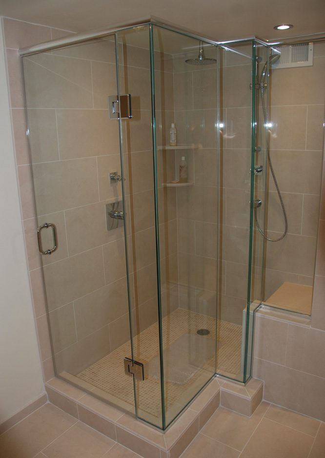 briggs master bathroom2