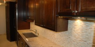 kitchen backsplash glass tile
