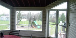 Seasonal Room with Open Screens