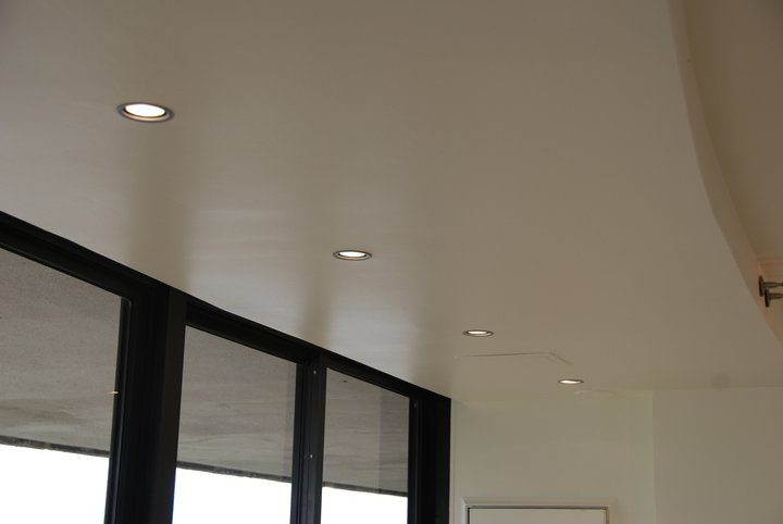 recessed lighting by exterior windows